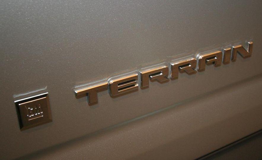 2010 GMC Terrain - Slide 26