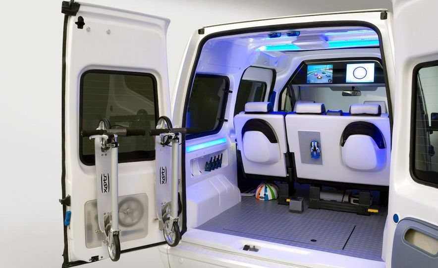 Ford Transit Connect Family One concept - Slide 21