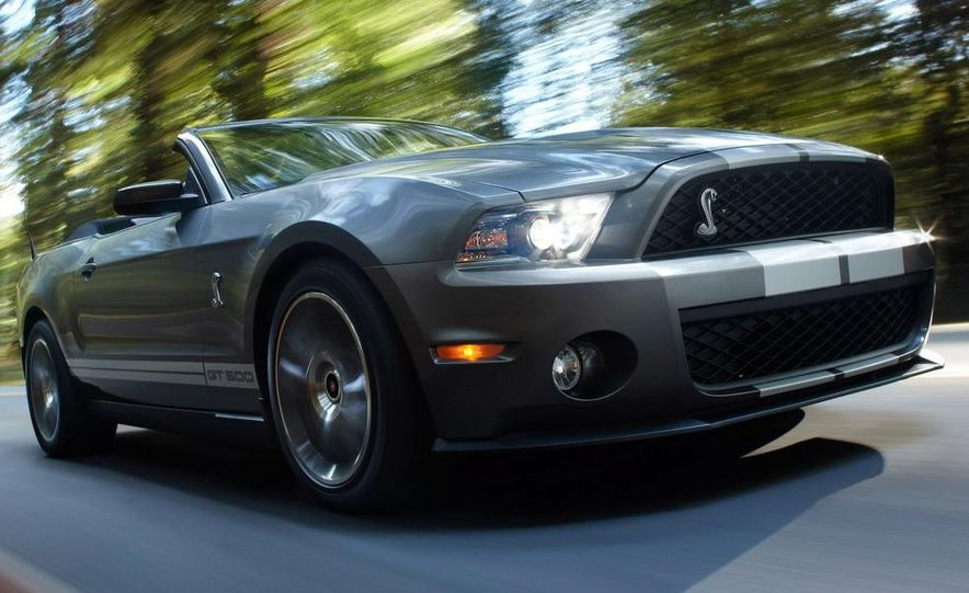2010 Ford Mustang Shelby GT500 coupe - Slide 22