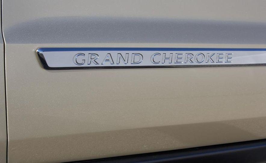 2011 Jeep Grand Cherokee - Slide 38