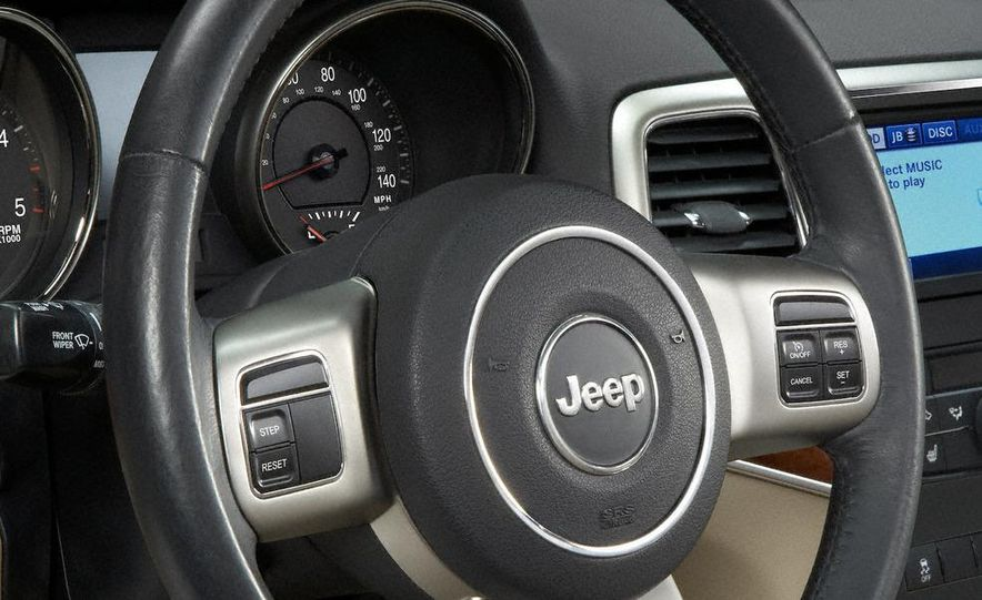 2011 Jeep Grand Cherokee - Slide 44