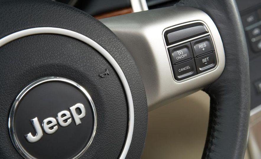 2011 Jeep Grand Cherokee - Slide 26
