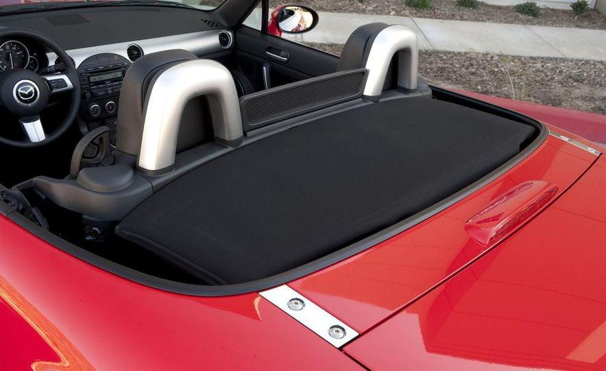 2009 Mazda MX-5 Miata PRHT (Power Retractable Hardtop) Grand Touring - Slide 56