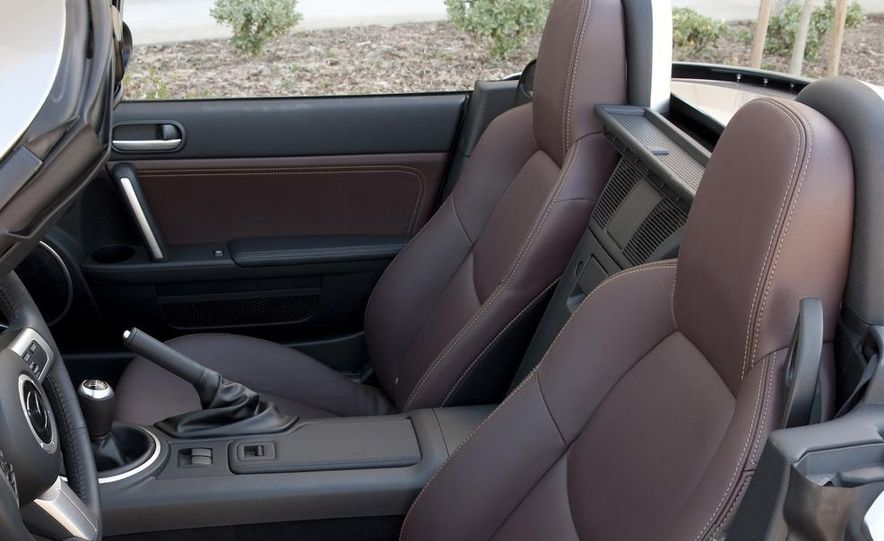 2009 Mazda MX-5 Miata PRHT (Power Retractable Hardtop) Grand Touring - Slide 61