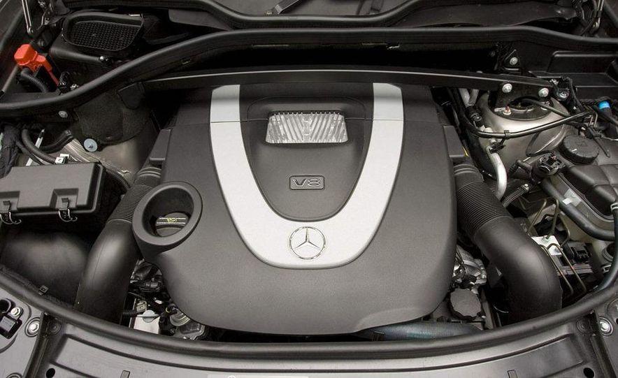 2010 Mercedes-Benz GL350 BlueTec 4MATIC - Slide 22