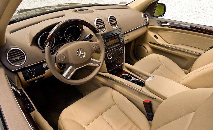 2010 Mercedes-Benz GL350 BlueTec 4MATIC - Slide 7