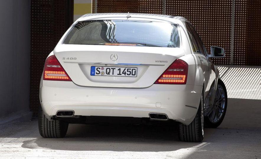 2010 Mercedes-Benz S400 BlueHybrid - Slide 12