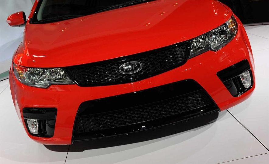 2010 Kia Forte Koup unveiling at the 2009 New York Auto Show - Slide 52