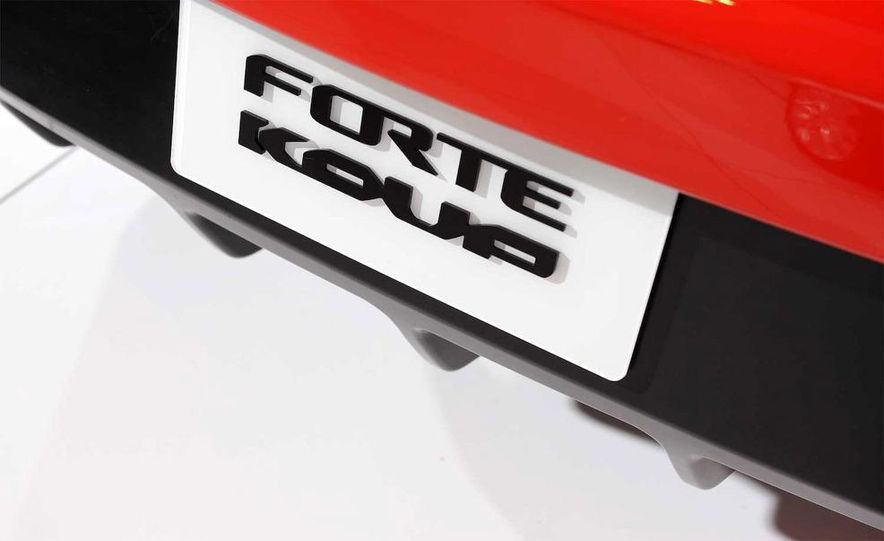 2010 Kia Forte Koup unveiling at the 2009 New York Auto Show - Slide 57