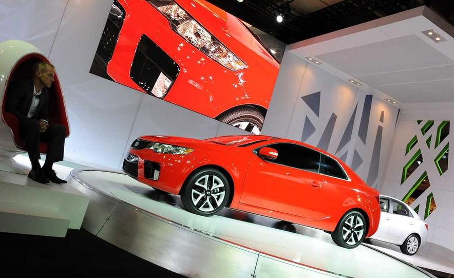 2010 Kia Forte Koup unveiling at the 2009 New York Auto Show - Slide 12