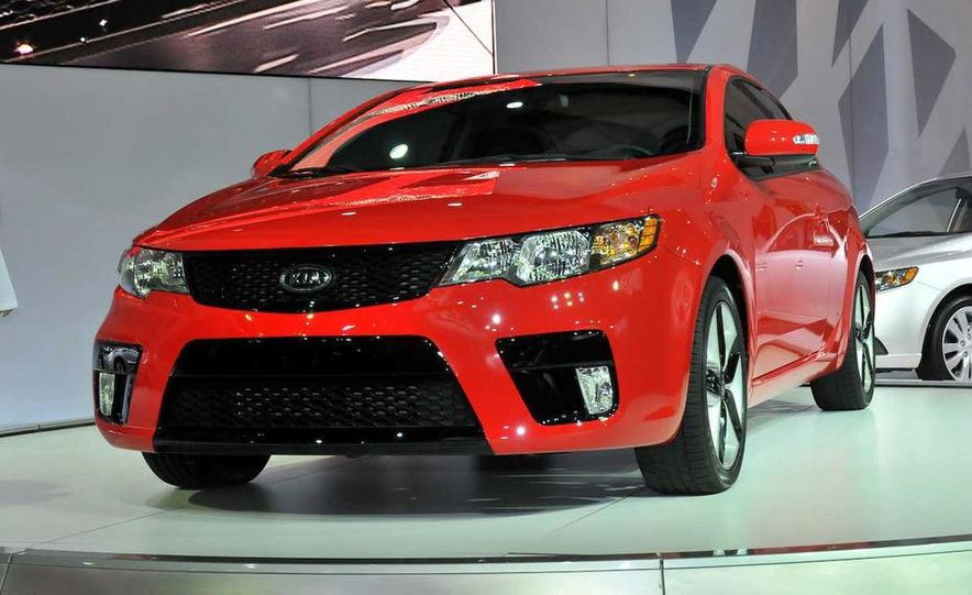 2010 Kia Forte Koup unveiling at the 2009 New York Auto Show - Slide 13