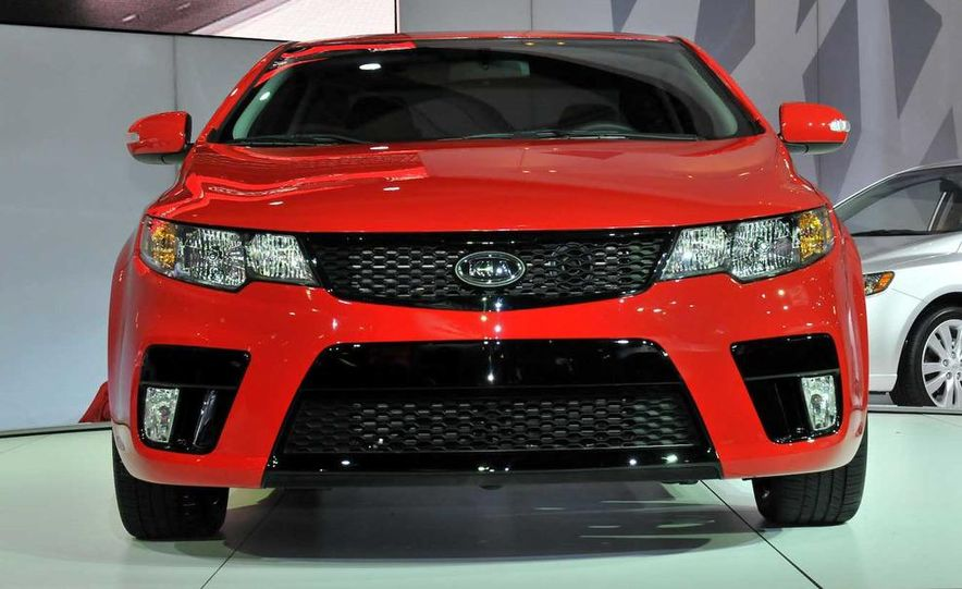 2010 Kia Forte Koup unveiling at the 2009 New York Auto Show - Slide 14
