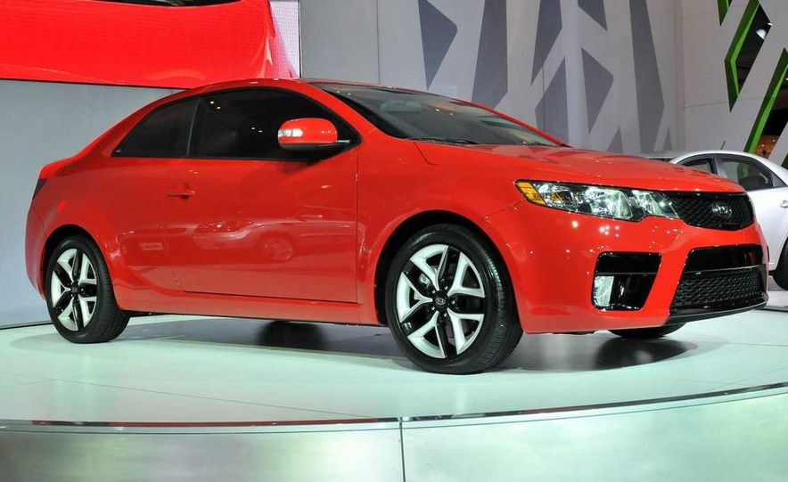 2010 Kia Forte Koup unveiling at the 2009 New York Auto Show - Slide 15