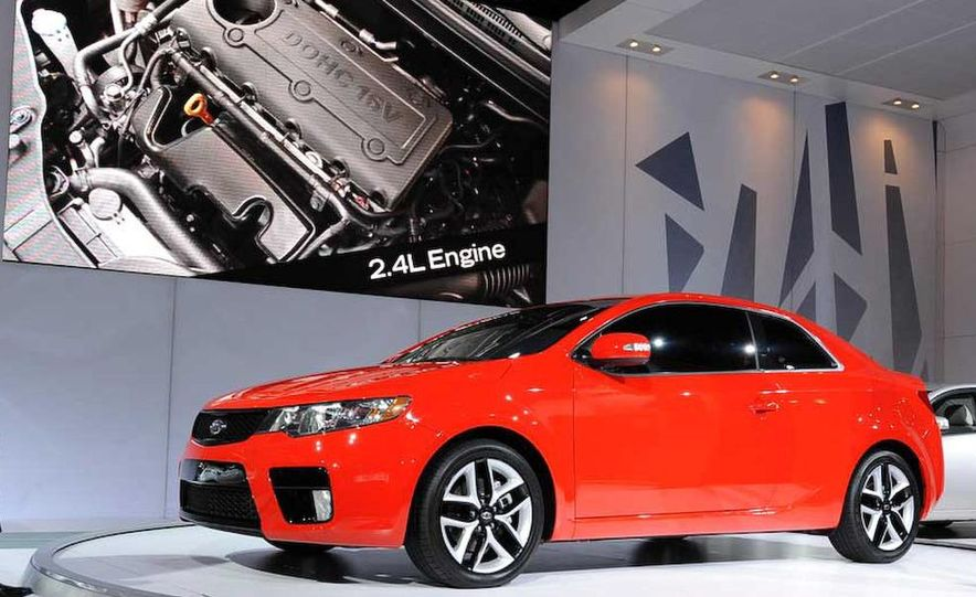 2010 Kia Forte Koup unveiling at the 2009 New York Auto Show - Slide 22