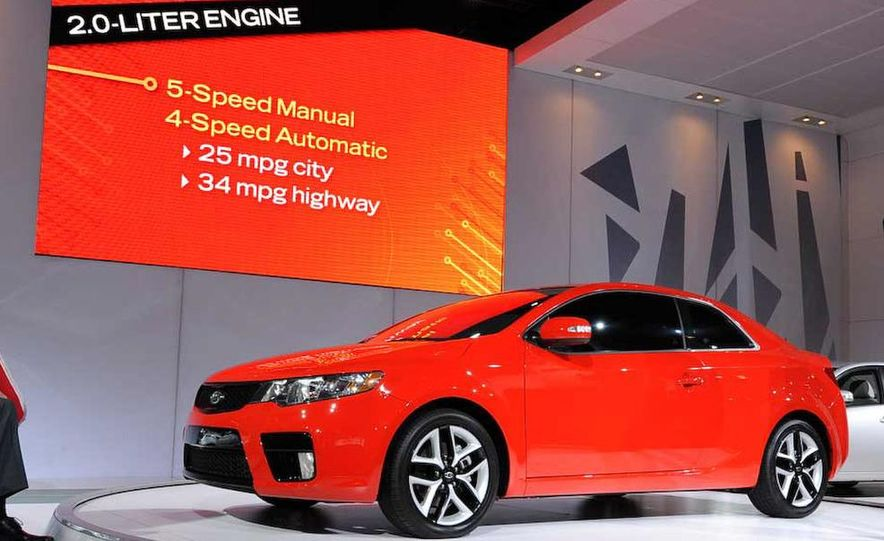 2010 Kia Forte Koup unveiling at the 2009 New York Auto Show - Slide 23