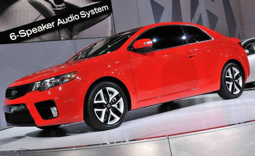 2010 Kia Forte Koup unveiling at the 2009 New York Auto Show - Slide 24