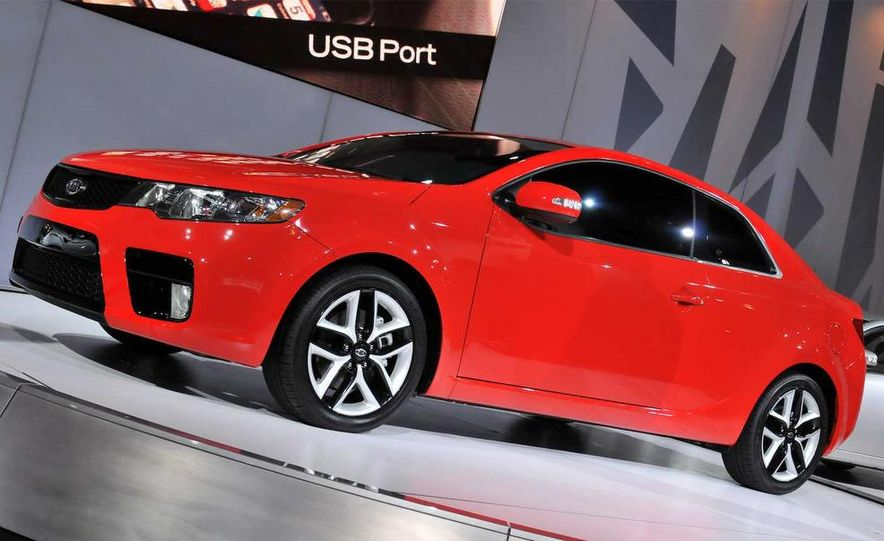 2010 Kia Forte Koup unveiling at the 2009 New York Auto Show - Slide 25