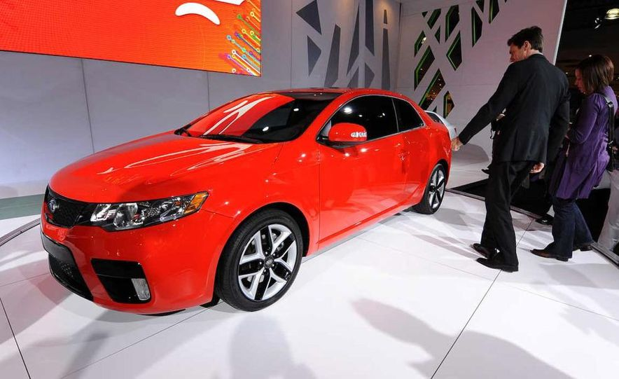 2010 Kia Forte Koup unveiling at the 2009 New York Auto Show - Slide 26