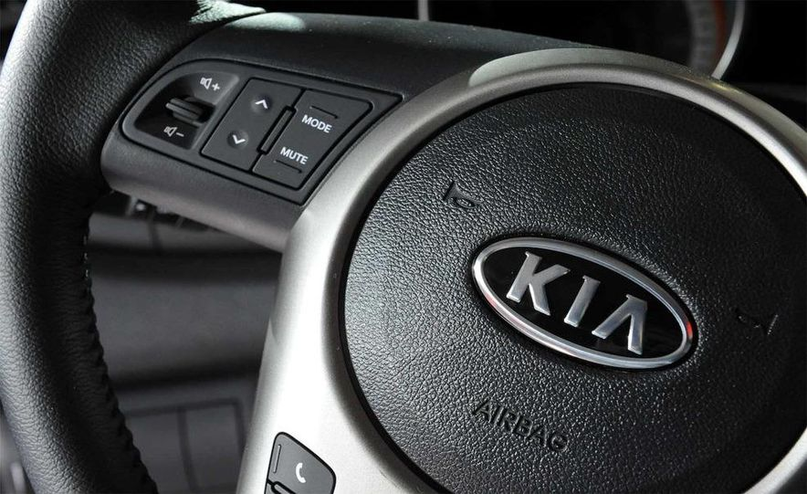 2010 Kia Forte Koup unveiling at the 2009 New York Auto Show - Slide 43