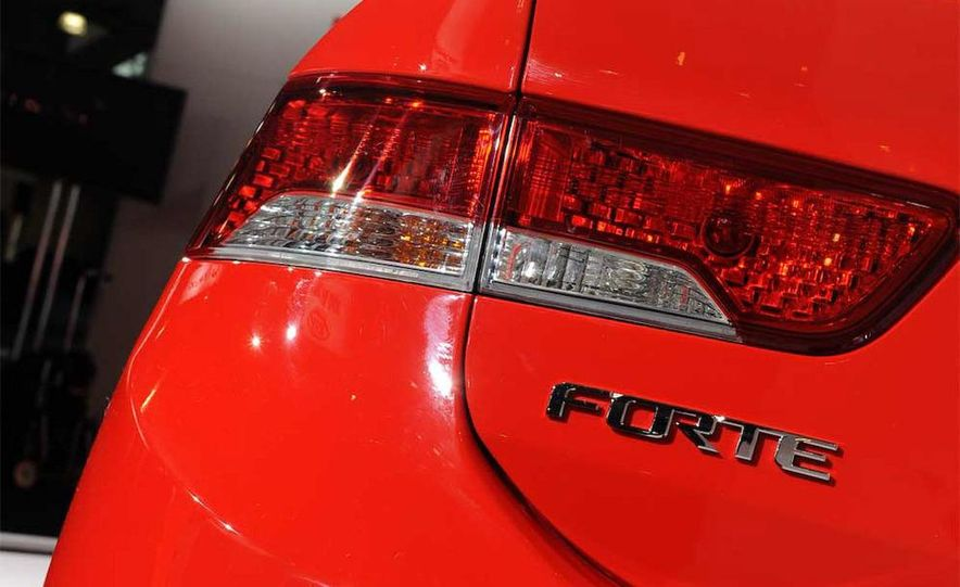 2010 Kia Forte Koup unveiling at the 2009 New York Auto Show - Slide 36