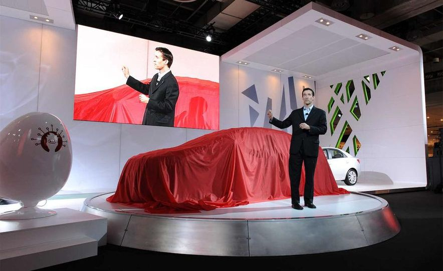 2010 Kia Forte Koup unveiling at the 2009 New York Auto Show - Slide 1