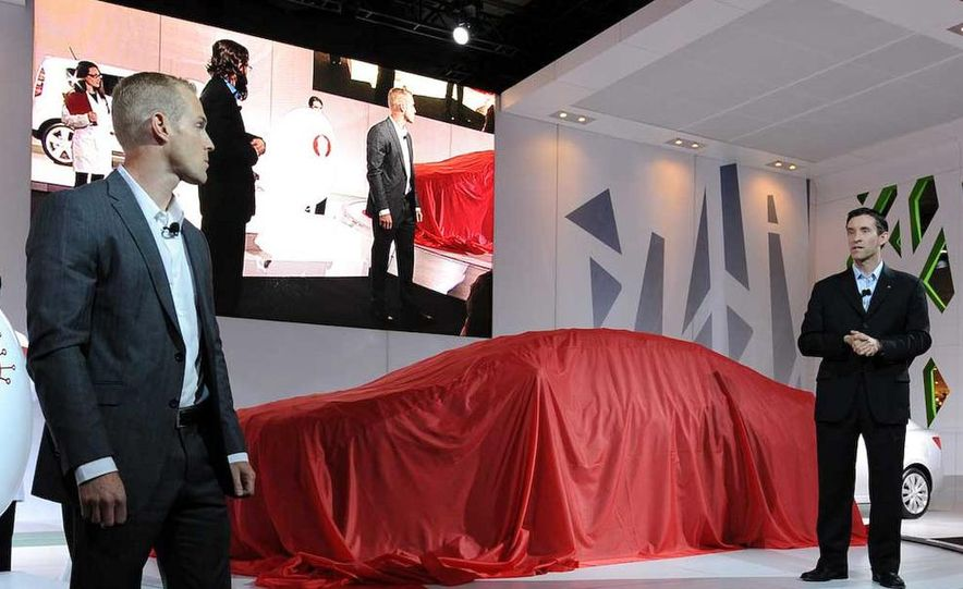 2010 Kia Forte Koup unveiling at the 2009 New York Auto Show - Slide 3