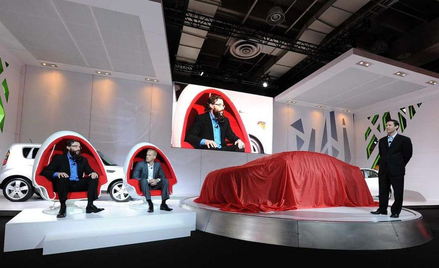 2010 Kia Forte Koup unveiling at the 2009 New York Auto Show - Slide 6