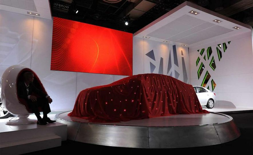 2010 Kia Forte Koup unveiling at the 2009 New York Auto Show - Slide 8