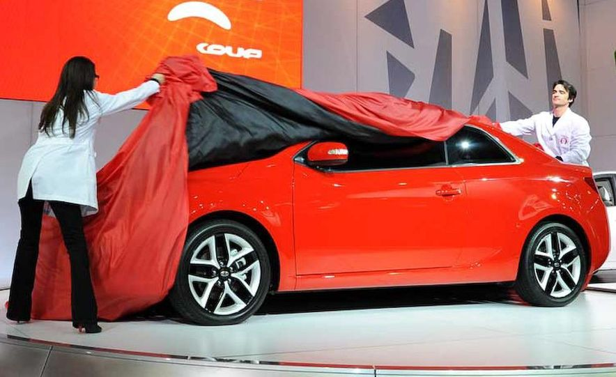 2010 Kia Forte Koup unveiling at the 2009 New York Auto Show - Slide 9