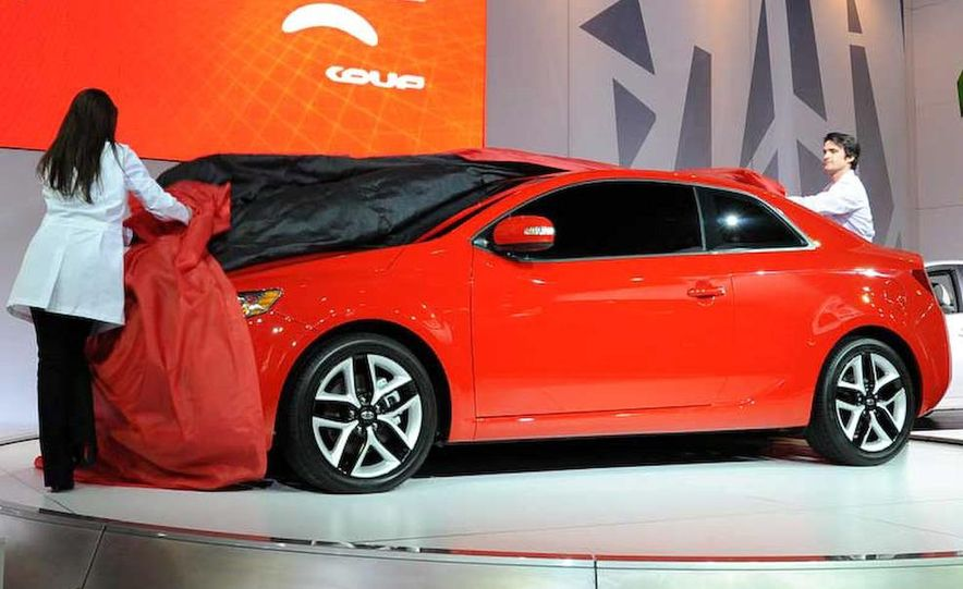 2010 Kia Forte Koup unveiling at the 2009 New York Auto Show - Slide 10