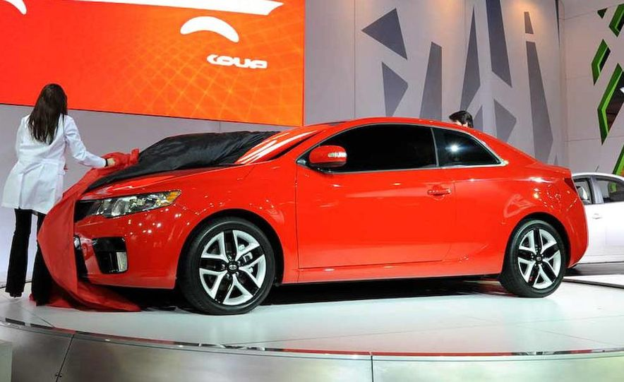 2010 Kia Forte Koup unveiling at the 2009 New York Auto Show - Slide 11