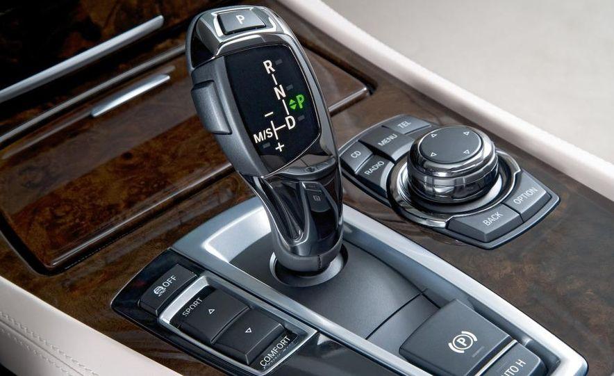 2010 BMW 760Li - Slide 18