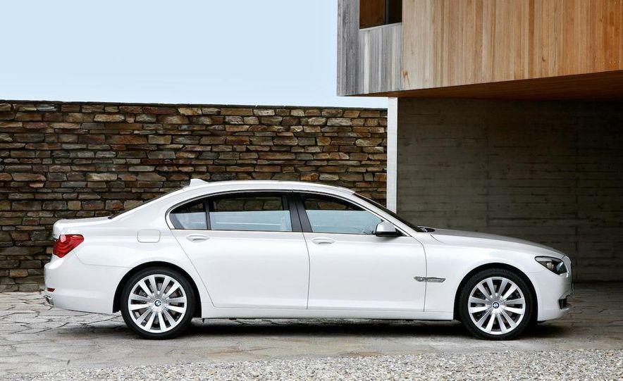 2010 BMW 760Li - Slide 3