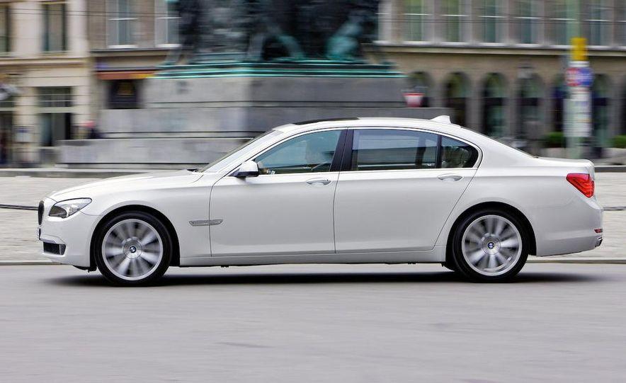 2010 BMW 760Li - Slide 6