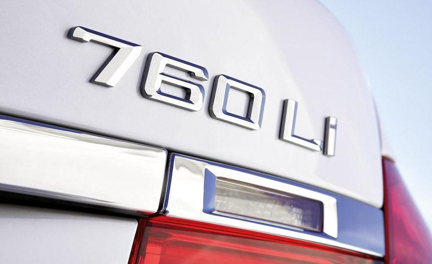 2010 BMW 760Li - Slide 17