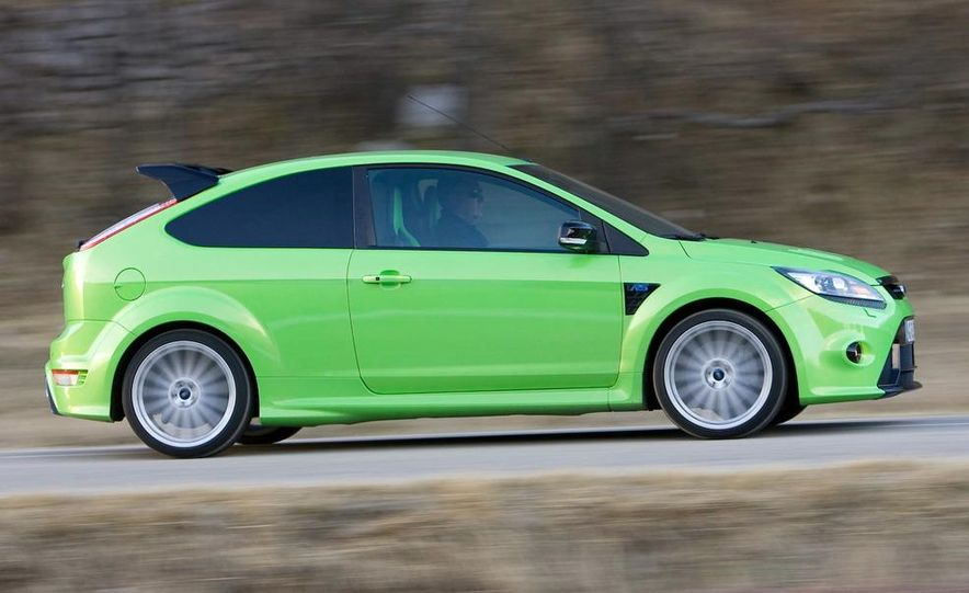 2009 Ford Focus RS - Slide 8