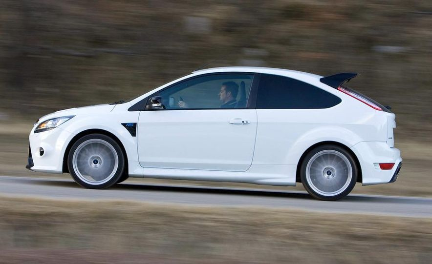 2009 Ford Focus RS - Slide 10