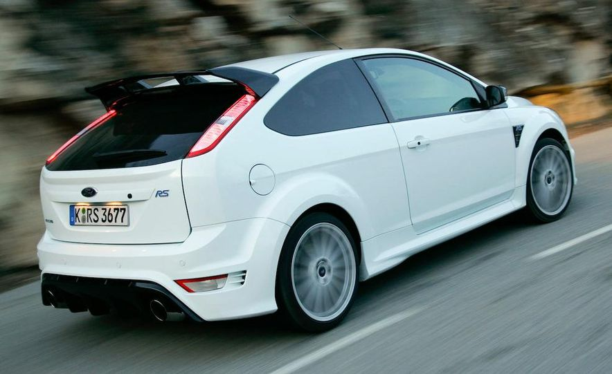 2009 Ford Focus RS - Slide 12