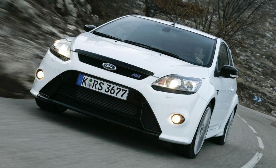2009 Ford Focus RS - Slide 15