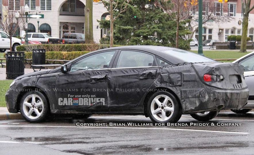 2011 Hyundai Sonata (spy photo) - Slide 1