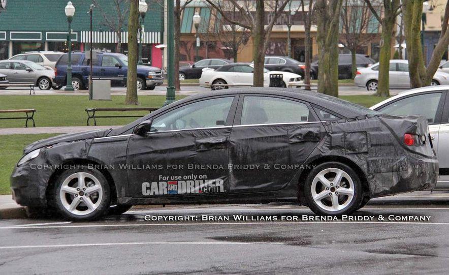 2011 Hyundai Sonata (spy photo) - Slide 6