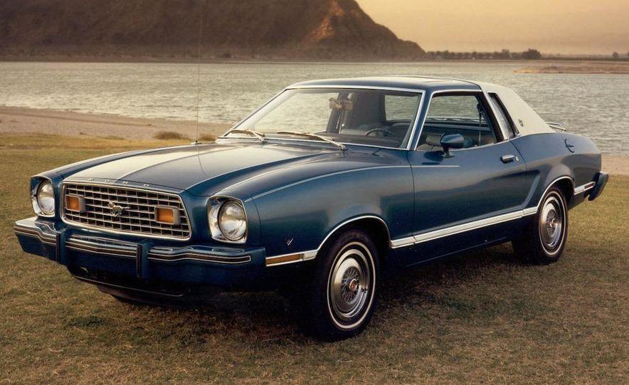 1964 1/2 Ford Mustang - Slide 2