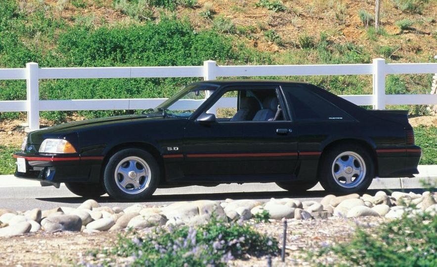 1964 1/2 Ford Mustang - Slide 3