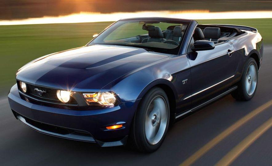 2010 Ford Mustang Shelby GT500 coupe - Slide 26