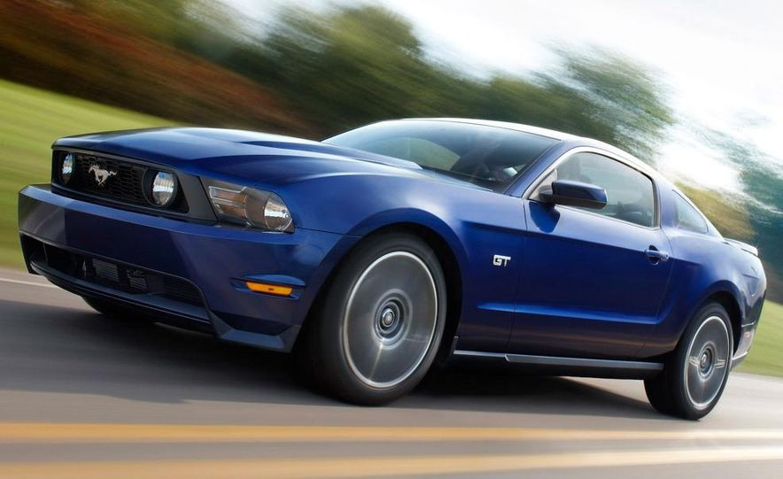 2010 Ford Mustang Shelby GT500 coupe - Slide 12