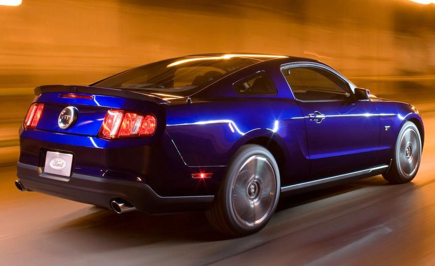 2010 Ford Mustang Shelby GT500 coupe - Slide 15