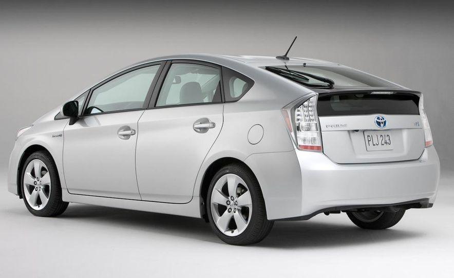 2010 Toyota Prius - Slide 18