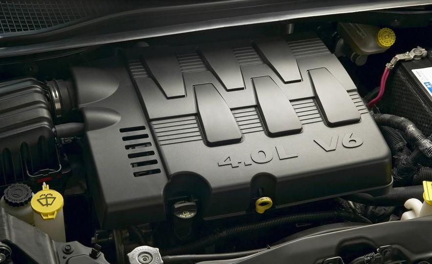 Jeep Wrangler Unlimited EV, Jeep Patriot EV, Chrysler Town & Country EV, and Dodge Circuit EV concepts - Slide 2