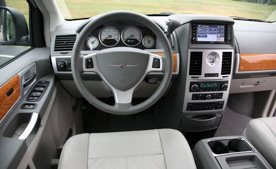 Jeep Wrangler Unlimited EV, Jeep Patriot EV, Chrysler Town & Country EV, and Dodge Circuit EV concepts - Slide 6