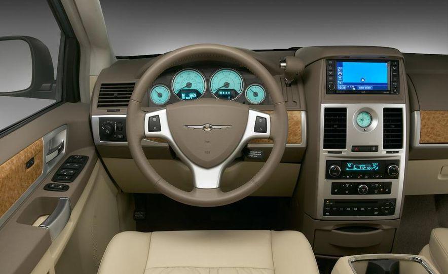 Jeep Wrangler Unlimited EV, Jeep Patriot EV, Chrysler Town & Country EV, and Dodge Circuit EV concepts - Slide 9